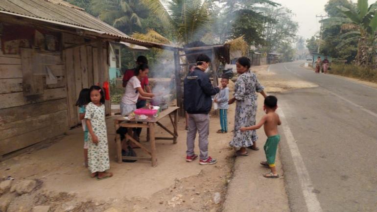 Foto diambil dari daerah Kumpe, salah satu tempat terdekat dengan titik-titik api (sumber: dokumentasi pribadi)