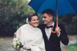 ilustrasi pasca-menikah (sumber: Vadven via kompas.com)