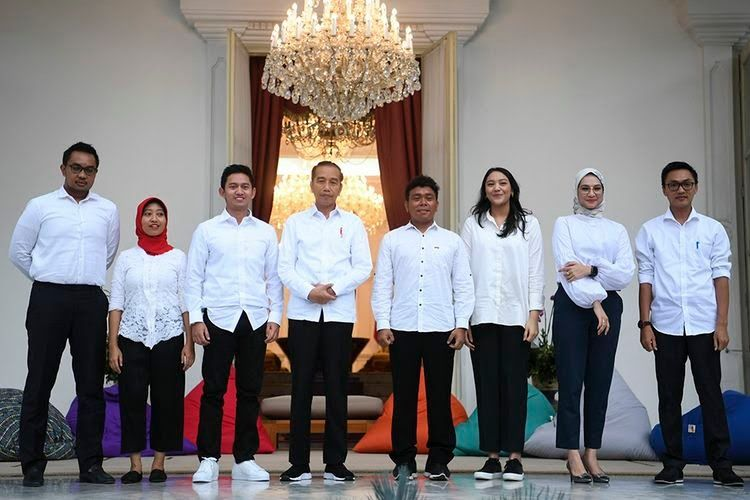 Presiden RI Jokowi Bersama 7 Staf Khusus Millenial   Dokumen Antara foto/Kompas.com