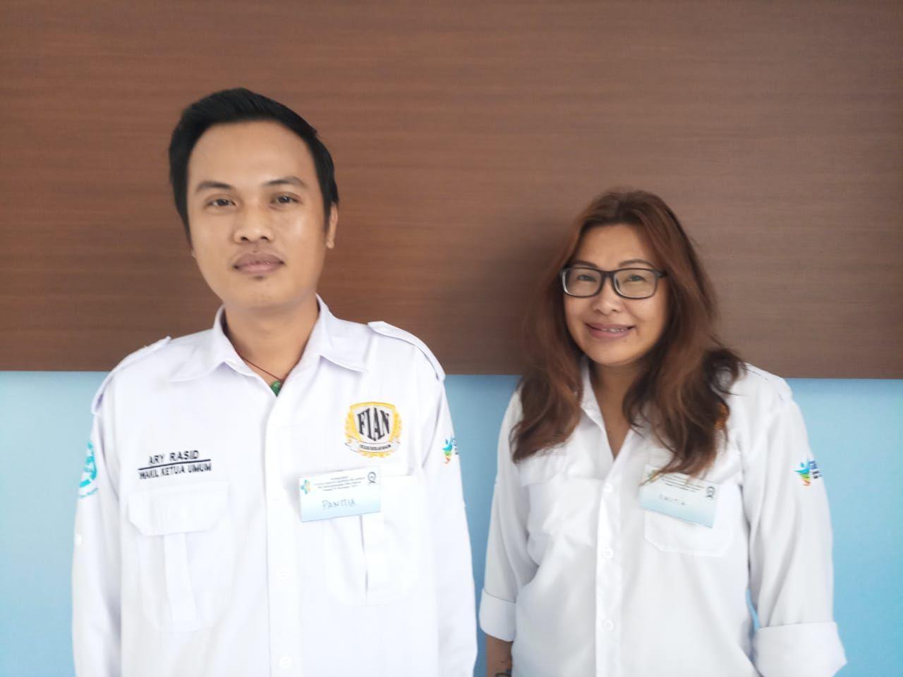 Deskripsi : Wakil Ketua FIAN,Ary Rasid Haryono (kiri) dan Sekretaris Jendral FIAN, Esther Gehl (kanan) I Sumber Foto : dokpri