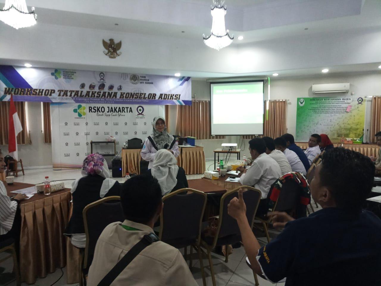 Deskripsi : Divisi Diklat FIAN dan RS Jiwa Dr.Soeharto Herdjan, dr.Ayesha, Sp.ICJ I Sumber Foto : dokpri