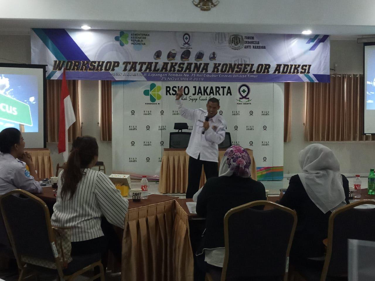 Deskripsi : Trainer BPPK Ciloto dan Divisi Diklat FIAN, Imam Kastubi, SKM I Sumber Foto : dokpri