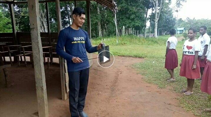 Screenshot video di laman facebook Guru Lukman Karsito
