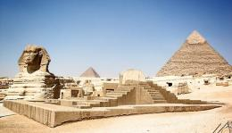 Pyramida dan Patung Sphinx (photoforclass.com)