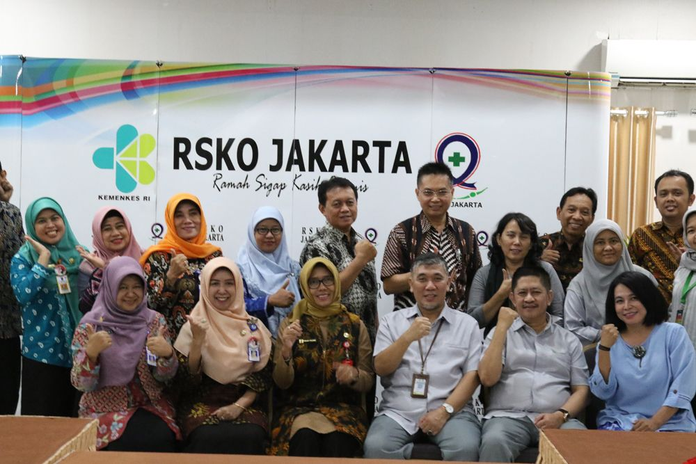 Deskripsi : Tim RSJ Menur bersama fasiltator RSKO Jakarta I Sumber Foto : dokpri RSKO