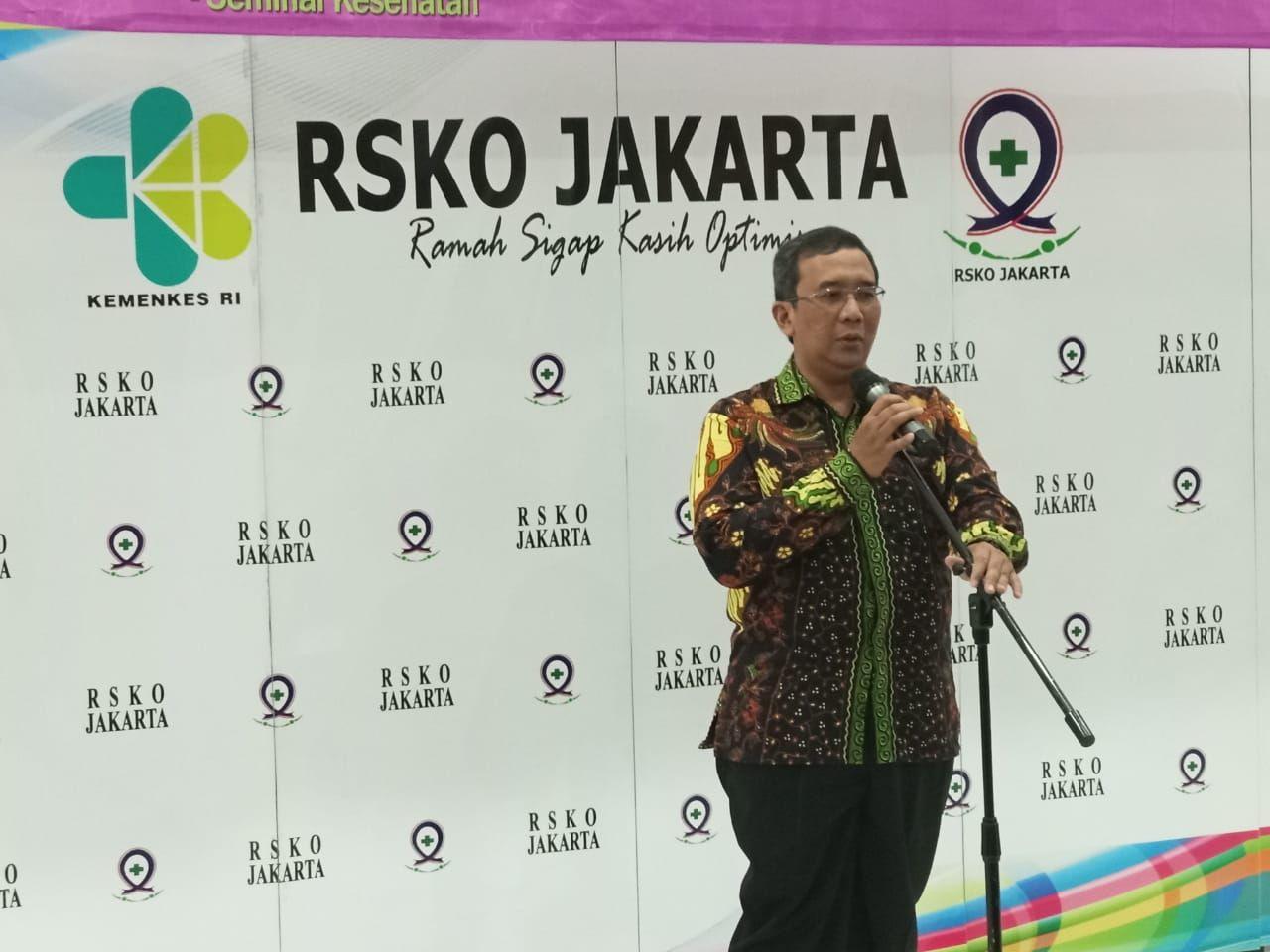 Deskripsi : Direktur Utama RSKO Jakarta, dr.Azhar Jaya, SKM, MARS mendukung Dharma Wanita Persatuan RSKO Jakarta I Sumber Foto : RSKO Jakarta