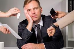 Tak perlu stress ketika tagihan deadline pekerjaan datang berbarengan. Siapkan jurus jitu menghadapinya.Foto: Kompas.com