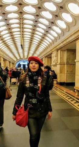 Penulis di Moscow Metro Station. Sumber: Dokumentasi Pribadi