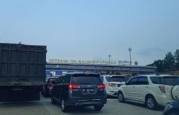 Gerbang pembayaran tol Kalihurip| Dokumentasi pribadi