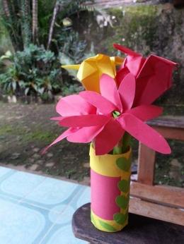 Hasil origami tingkat kompleksitas tinggi. Photo by Ari