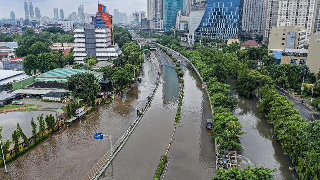 Banjir Jakarta salah siapa? | Sumber gambar : cnnindonesia.com