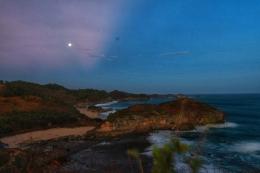 Pantai Kasab sisi timur, diliat dari bukit | Nanang Diyanto Beku