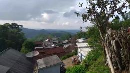 Pemandangan dari depan rumah/dokpri