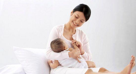 Ilustrasi perkembangan kesehatan ibu dan anak (KIA) di Indonesia (Sumber : www.ringkaskata.com)