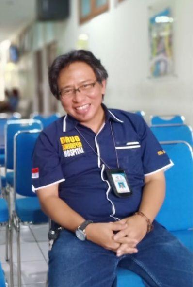 Deskripsi : Kepala Instalasi Humas dan PKRS RSKO Jakarta, drg.Bagus Ario Wibowo, MM I Sumber Foto : dokpri