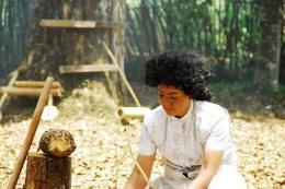Nirina Zubir menjadi Laisa di film Bidadari-Bidadari Surga/sumber:https://encrypted-tbn0.gstatic.com/