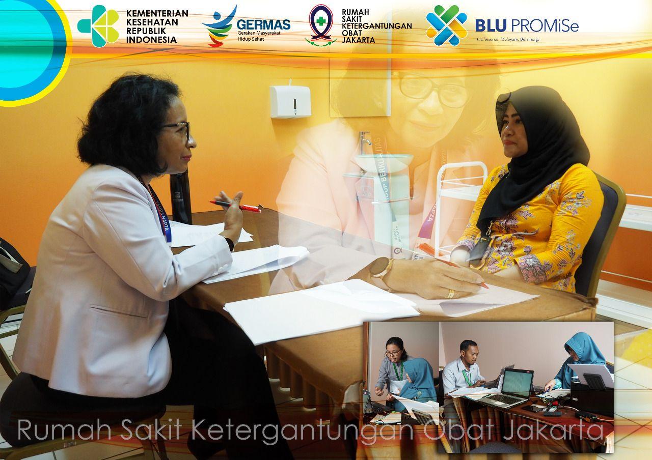 Deskripsi : Tim Kesehatan RSKO Jakarta melaksanakan Pemeriksaan Kesehatan kepada Calon Tenaga Kesehatan Haji, Pusat Kesehatan Haji Kemenkes RI I Sumber Foto : dokpri