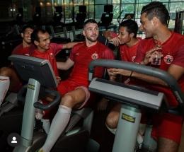 Para pemain Persija melakukan Fitnes (Instagram Persija)