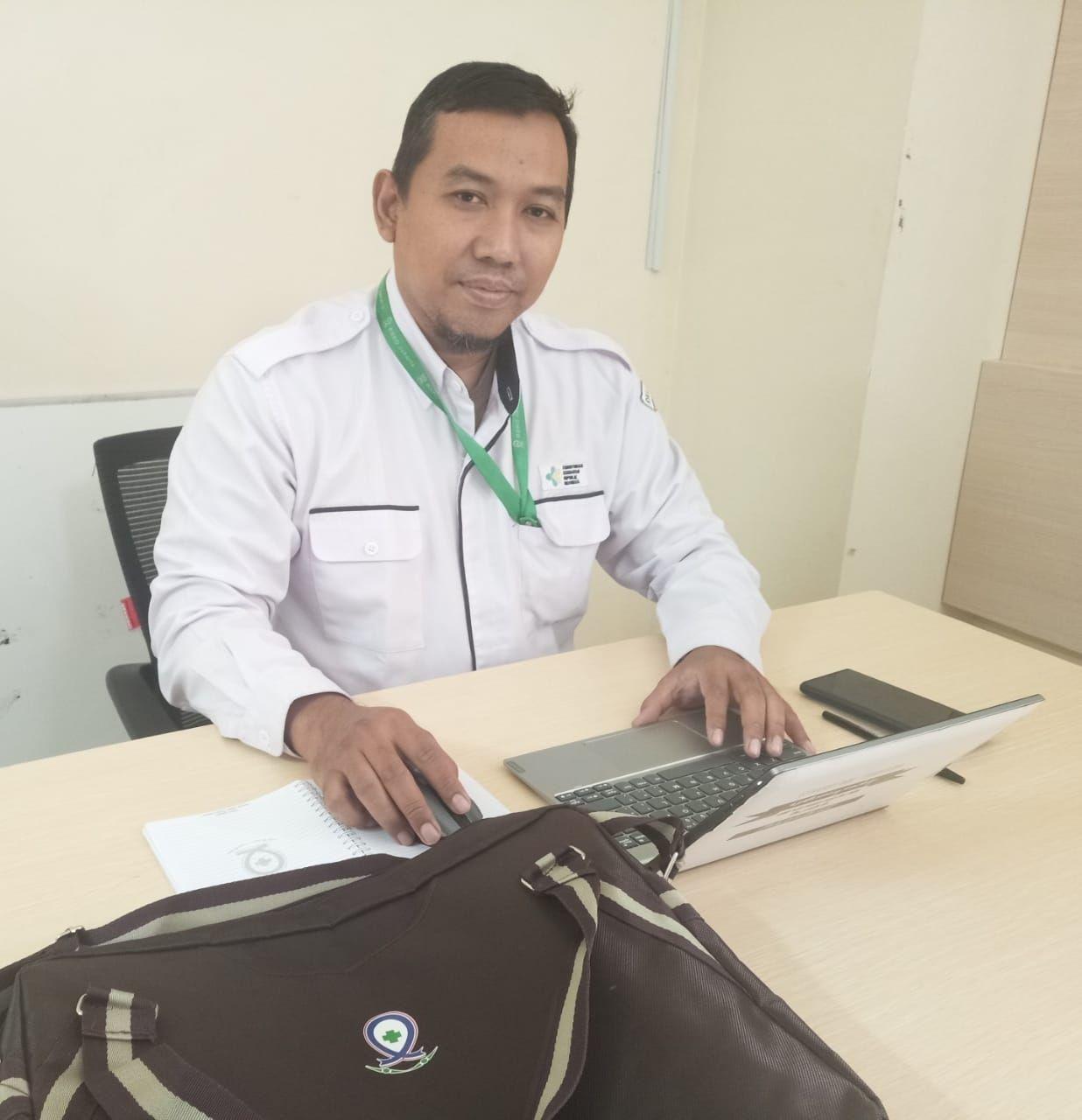 Deskripsi : Kepala Instalasi Pusat Sterilisasi dan Binatu RSKO Jakarta, Mohammad Arief Hidayat, S.Kep, RN I Sumber Foto : dokpri