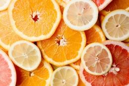 Vitamin C banyak didapat dari makanan tak harus memborong suplemen (ilustrasi: pixabay)
