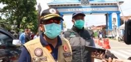 Wakil Walikota Tegal saat ikut kontrol pintu keluar-masuk kota | Warta Bahari on Facebook
