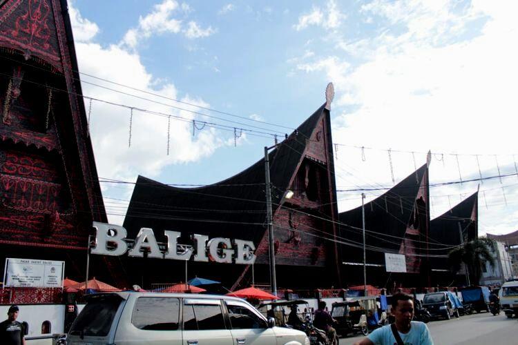 Pasar (Onan) Balige, Toba (Foto: kompas.com)
