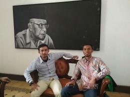 Wahid Ikhwan Kontributor (kanan)