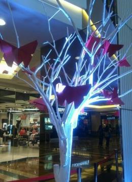 Salah satu bentuk dekorasi di Atrium Mall Taman Anggrek, Jakarta yang pernah dikerjakan Linda Marlina (sumber: dokpri)