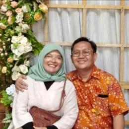 Linda Marlina, S.Si dan sang suami, M. Lukman