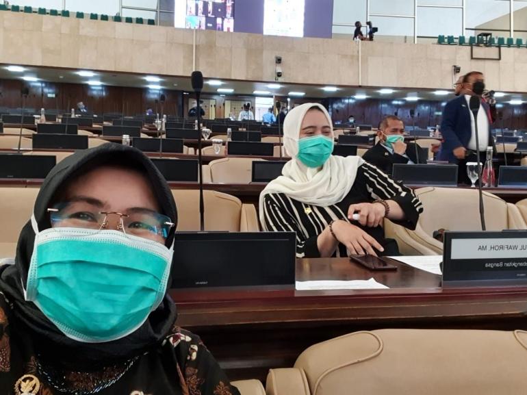 Siti Mukaromah (depan) Saat Rapur di Senayan|Dok Siti Mukaromah