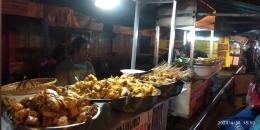 Deretan penjual ayam goreng | dokpri