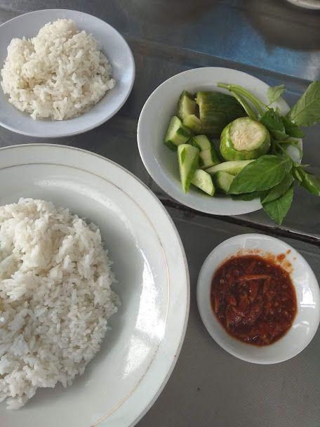 Nasi pindah patin, salah satu menu favorit santap siang saya. Foto : dok pribadi