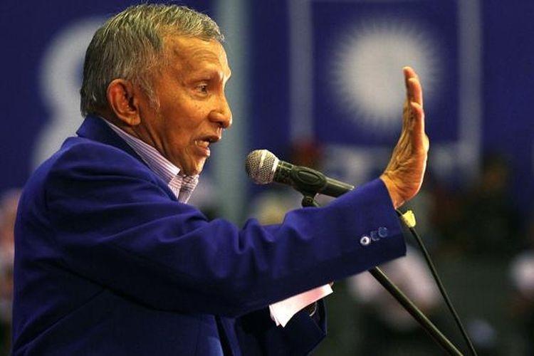 Amien Rais saat menjabat Ketua Majelis Pertimbangan Partai Dewan Pimpinan Pusat Partai Amanat Nasional (TRIBUNNEWS/DANY PERMANA)