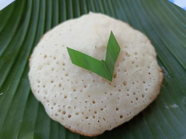 Kue Apem dimaknai sebagai permintaan maaf dan ampunan dalam tradisi Megengan (shutterstock melalui goodnewsfromindonesia.com)