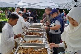 Suasana open house di Wisma Indonesia, Washington DC Amerika Serikat, Rabu (5/6/2019). Para WNI yang bermukim di Washington DC dan sekitarnya merayakan Hari Raya Idul Fitri 1440 Hijriah bersama-sama. (Dok. Kedubes RI untuk AS)