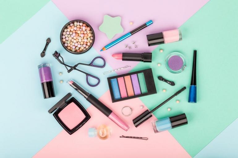 Tahap dan proses pembuatan kosmetik (Sumber : beritagar.id)