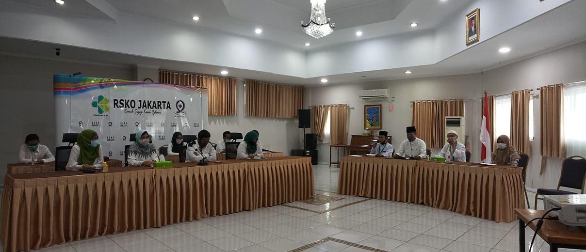 Deskripsi : Teleconfrence Halal Bi Halal RSKO Jakarta I Sumber Foto : dokpri