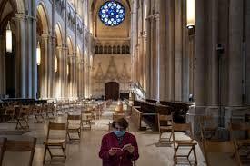 Situasi New Normal. Social distancing terjadi di tempat ibadah. Sumber foto: Forbes.com