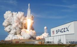 Perusahaan SpaceX  Source : cnbcindonesia.com (Foto : Reuters)