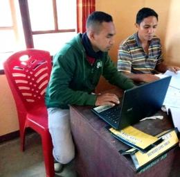 Penginputan Data Indeks Desa Membangun Tahun 2020 di Kantor Kepala Desa Adobala