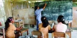 Perjuangan Guru Di Daerah Tertinggal. Sumber Pendidikan.id