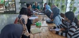 Rapat di salah satu kafe di Jalan Tanjung Kota Blitar. Dokumentasi pribadi