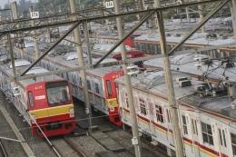 Ilustrasi Sejumlah rangkaian kereta rel listrik terpakir di Dipo Depok, Jawa Barat, Senin (23/3/2020)  Sumber: ANTARA FOTO/Asprilla Dwi Adha