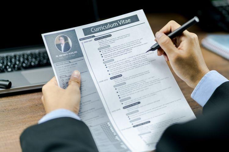 Curriculum Vitae / CV (Sumber: www.shutterstock.com via money.kompas.com)