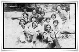 Kenangan penggalian arkeologi di Candi Sewu, 1980 (Foto: Keluarga Mahasiswa Arkeologi)