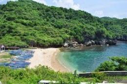 Pantai Gesing (sumber: itourer.blogspot.com)