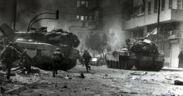 Salah satu sekuel perang Lebanon 2 pada 2006. Ketika itu IDF gagal mengalahkan Hizbollah. Sumber : koransulindo.com