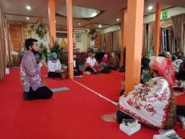 Bpk. Satimin, S.Pd Pembimas Buddha Kanwil Kemenag Jatim memberi wejangan. Dokpri
