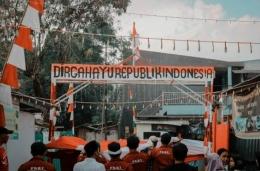 Foto Gapura Dirgahayu Republik Indonesia  Sumber: @AboutTNG