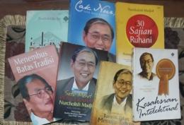 Sebagian koleksi buku-buku Cak Nur   koleksi pribadi (MUIS SUNARYA)